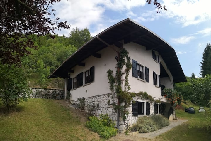 In the mountains near lakes Idro and Garda 11 beds