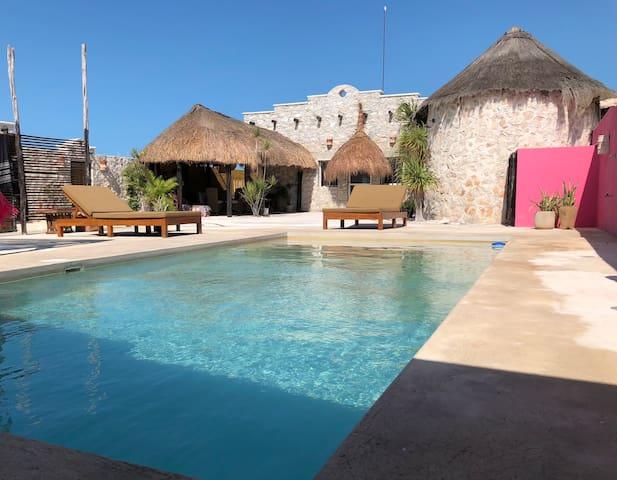 Stonehouse, beach in Mexico/Yucatan