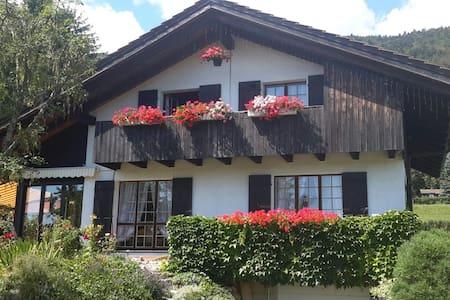 Villa style ferme Jurassienne - Lamboing