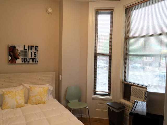 Renovated micro-apartment with private entrance - Philadelphia - Apartment