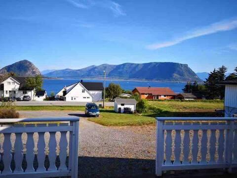 Koselig hytte på Godøya