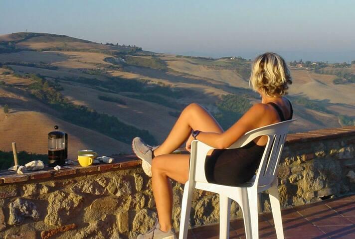 Tranquilità in appartamento & piscina  a Volterra - Volterra - Apartamento