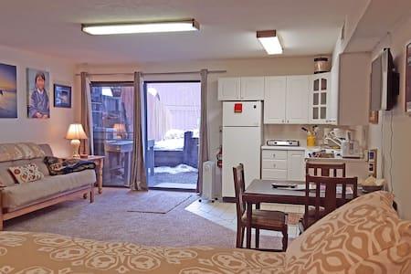 TALBOT's International Travel Lodge - Apartment