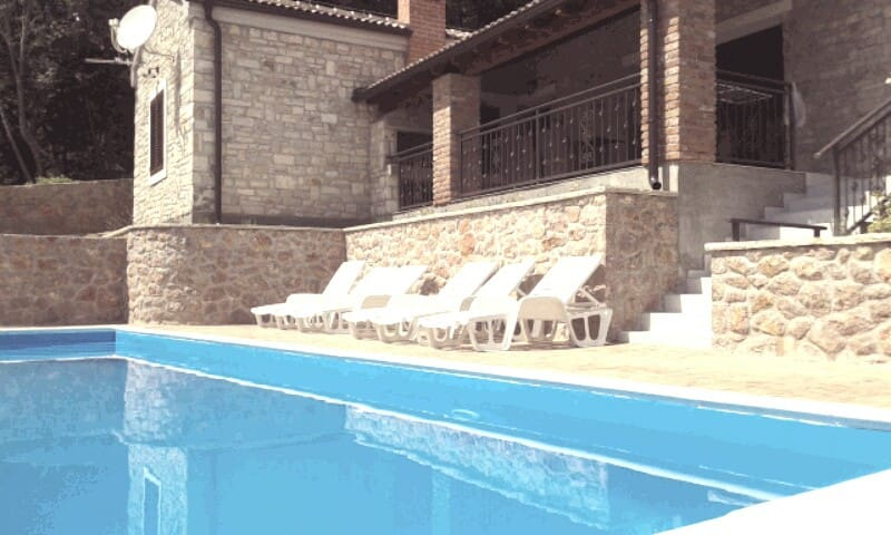 Villa Roko-new- with pool-70 m from beach