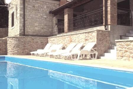 Villa Roko-new- with pool-70 m from beach - Posedarje