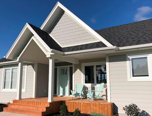 Riverbend Escape - Exclusive Waterfront Home.