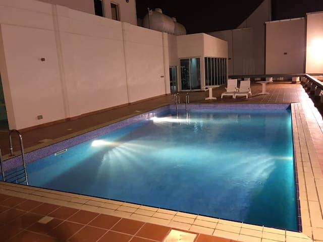 1 BR/Central Location at Diplomatic - Manama - Huoneisto