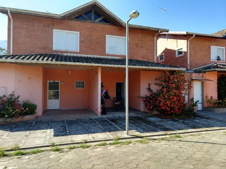 Casa de condomínio, Massaguaçu - Caraguatatuba