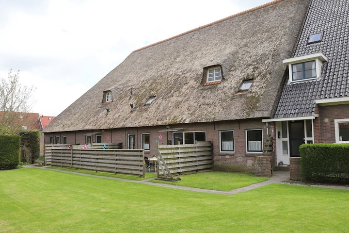 Spacious & typical Farmhouse, in the village of Arum, close to the IJsselmeer!