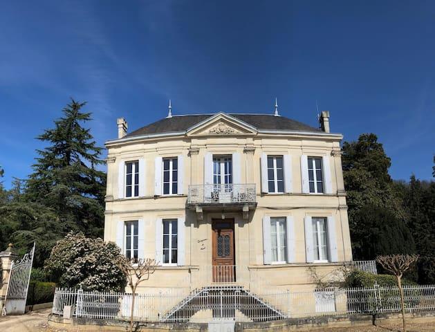 La Villa du Château Belloy - Chambre des Artistes