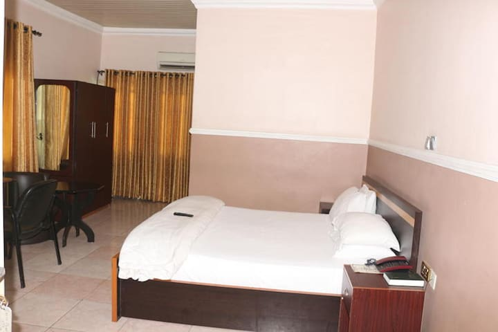 Entry Point Hotel  - Deluxe Room