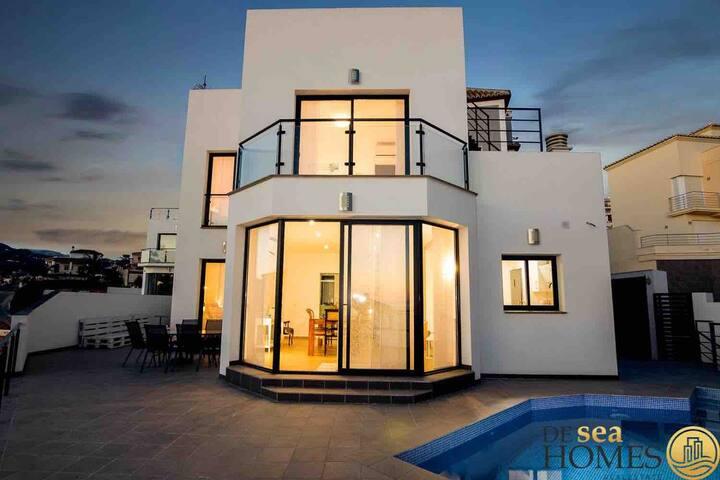 Modern Luxury Villa,Costa del Sol. Wifi, Pool, AC.
