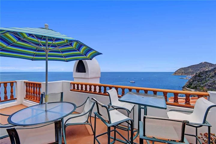 Impecably Decorated Villa + Wrap Around Balcony + Breathtaking Views - Hamilton Cove Villa 18-75