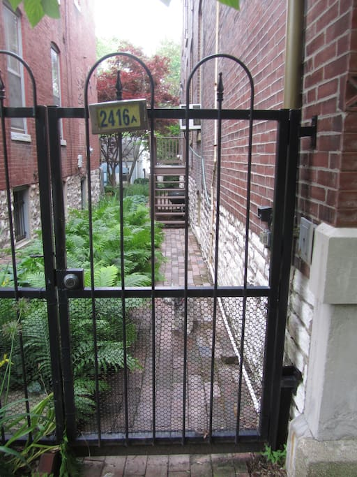 2 Bedroom Apartment In Historic Soulard Townhouses For