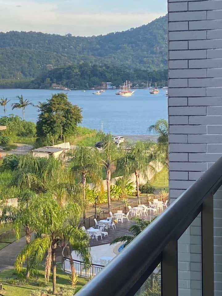 Apartamento dentro de um Resort com vista para mar