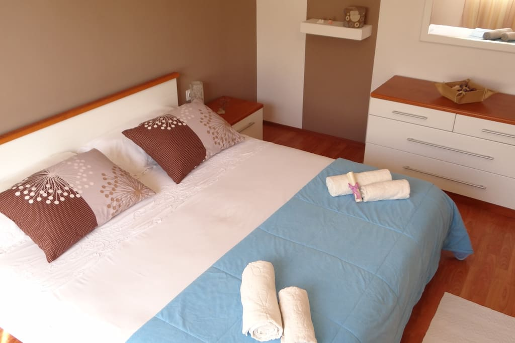 Masterbedroom, large bed 180x200 cm