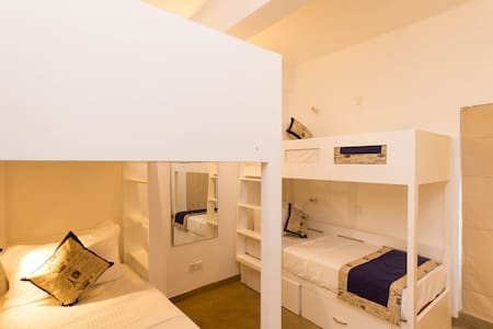 Spacious Room for 4 in Colombo 5