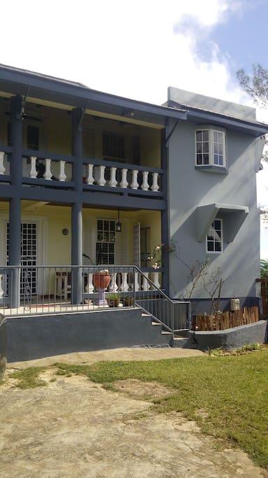 Hillcrest retreat apartments for rent in mandeville manchester parish jamaica for 2 bedroom apartment for rent in mandeville jamaica