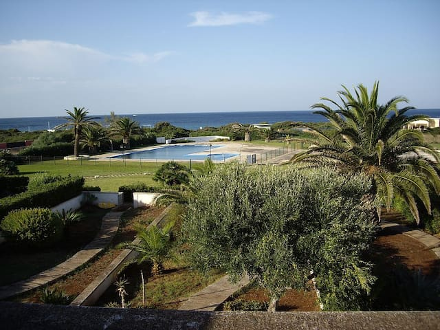 VILLA FRONTE MARE CON PISCINA.DISPOSTA SU 2 PIANI. - Ostuni - Townhouse