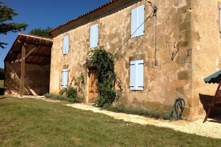 Charming idyllic Gascony farmhouse