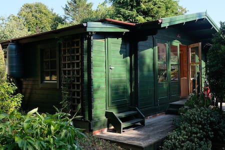 Cuckmere Valley Garden Cabin in the South Downs