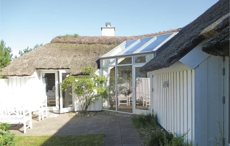Holiday cottage with 4 bedrooms on 97m² in Fjerritslev