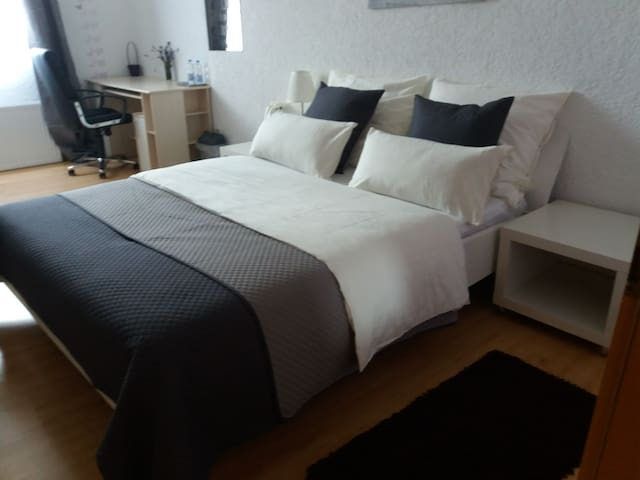 Grosses privates Zimmer in Wiesloch