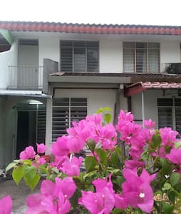 Twin Sharing Beded for Males  Only - Seremban - Rumah