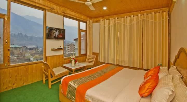 Superior Balcony Room with Exotic views of Hamta
