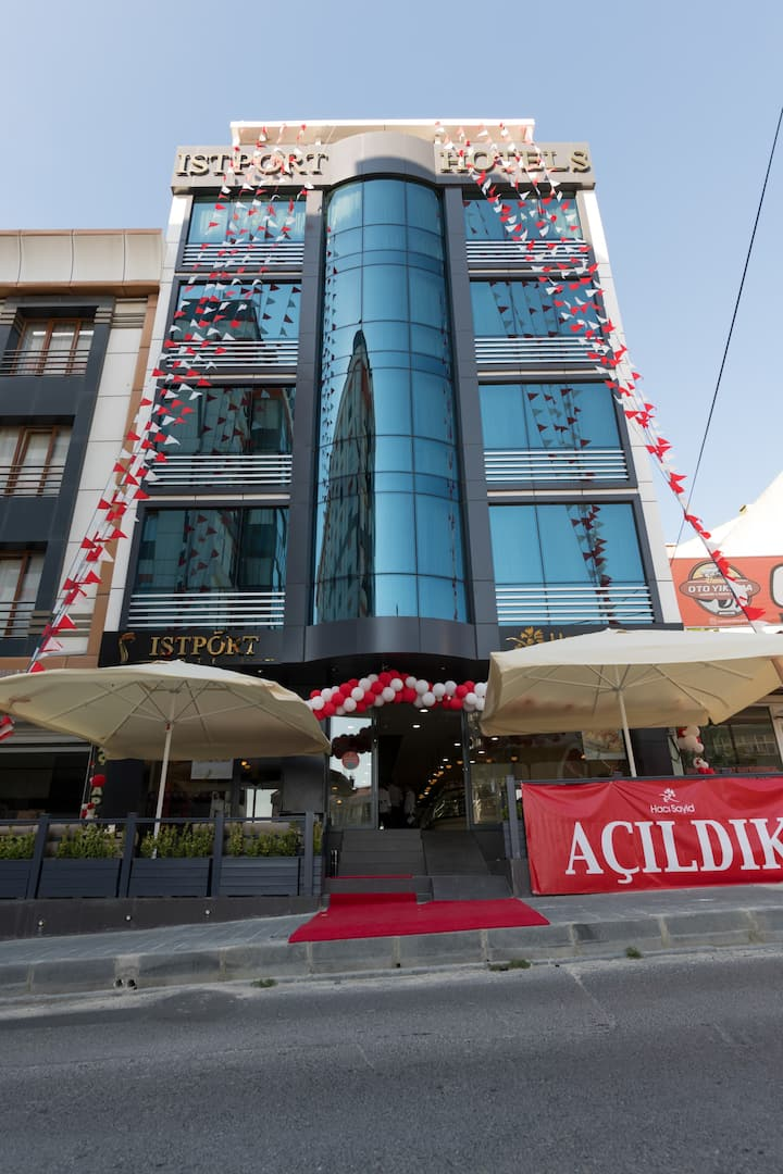 huzurun  istanbuldaki adresi ISTPORT HOTEL