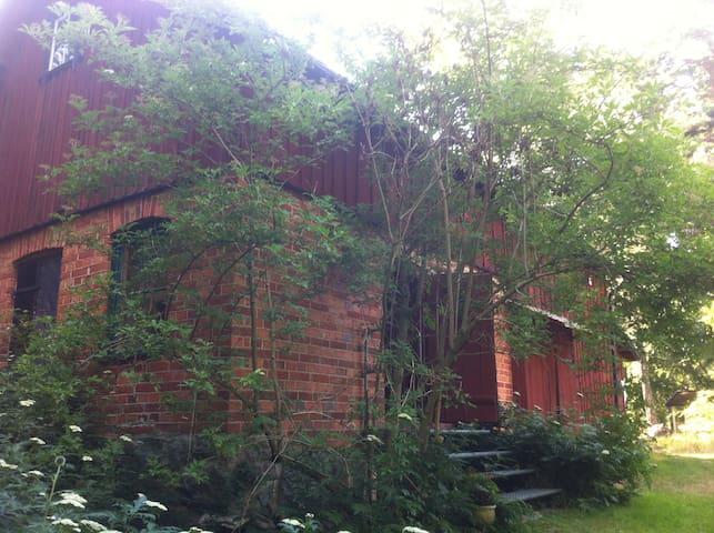 Guest barn countryside! Sundbyholm near Stockholm
