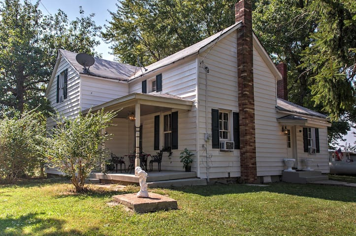 NEW! Historic 4BR Worden House w/ Covered Porch!