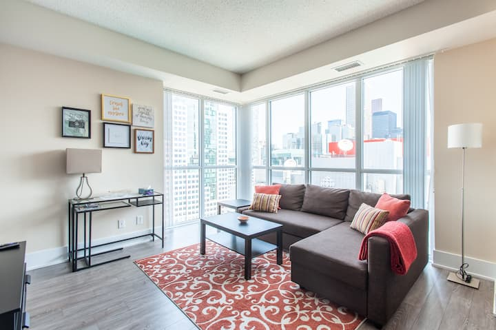 Executive Suite with View - Entertainment District