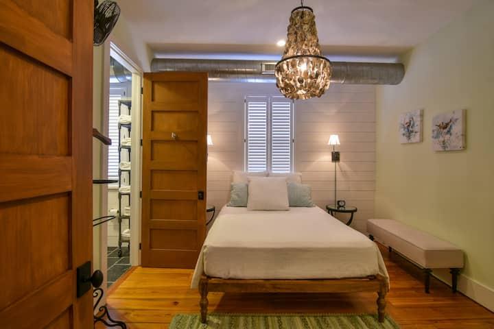 Suite in a Gorgeous Antebellum Mansion