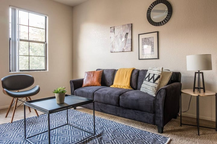 Simple + Updated 2BR Apt w/ Parking