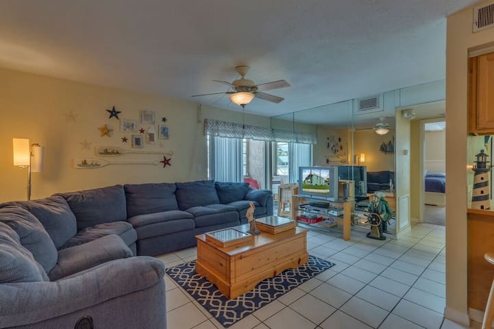 Anchors Away - A Weekly Beach Rental - Clearwater - Hus