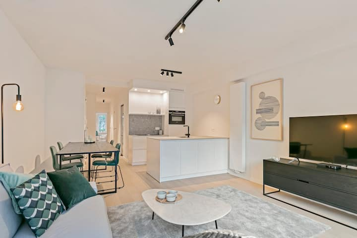 Fully renovated 2-bedroom apartment in centre of Knokke