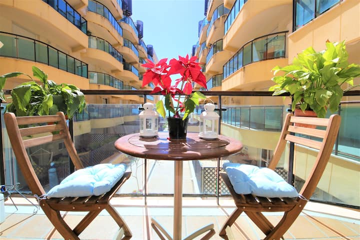 Estepona Centre Apartment LAMAREA