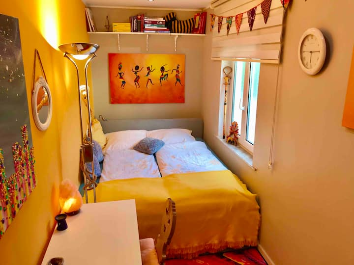 Tiny Room in Villa Akzente