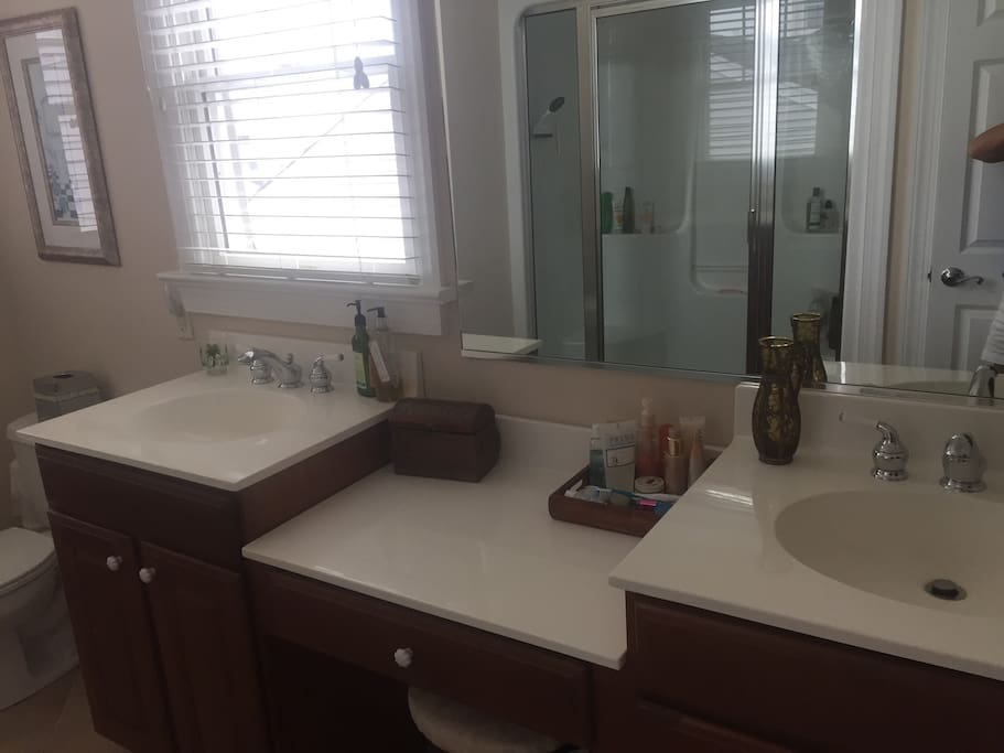 Double sink in junior suite bedroom
