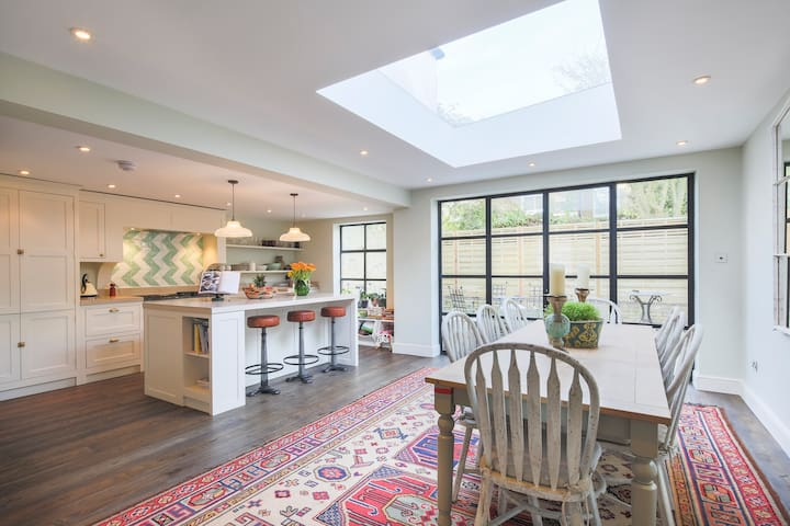 Newly refurbished house in the heart of Battersea - Londres - Casa
