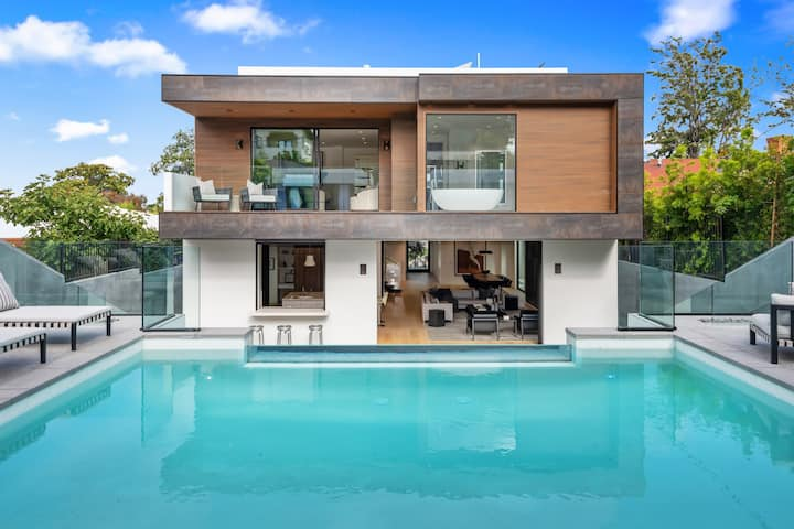 The Resort — safe, ultimate luxury in Los Angeles