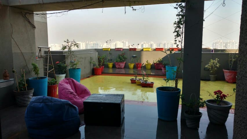 Homestay wid Private Terrace Garden - Ahmedabad - Byt