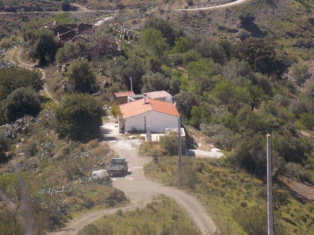 Finca (Alleinlage) nahe Malaga - Moclinejo - Hus