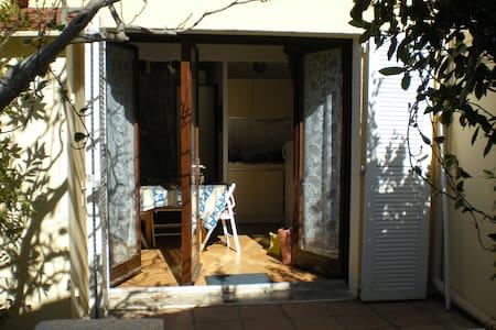 VILLA T1 mezzanine avec terrasse - Narbonne - Casa
