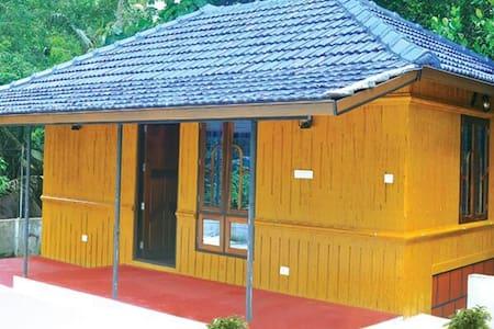 Marari Beach Pearl Homestay @ Mararikulam - Mararikulam - House