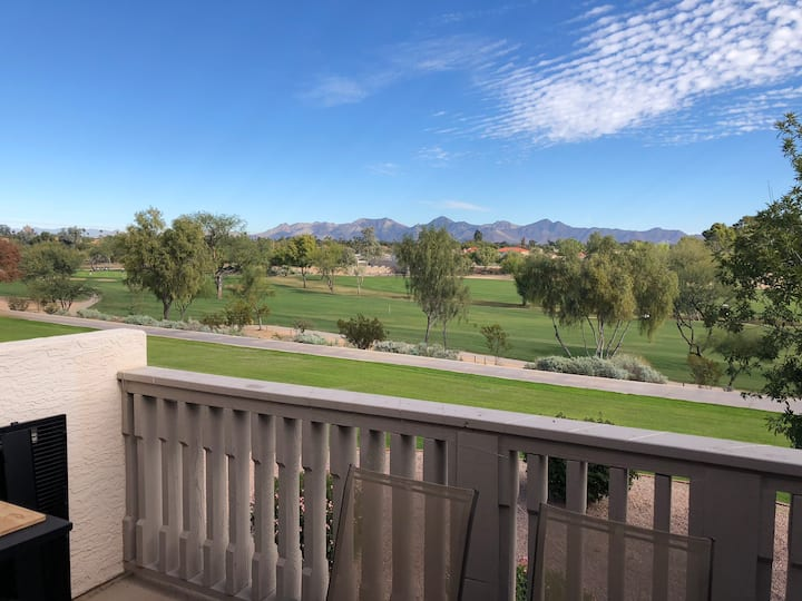 2 BD / BA Minutes from Everything Scottsdale!