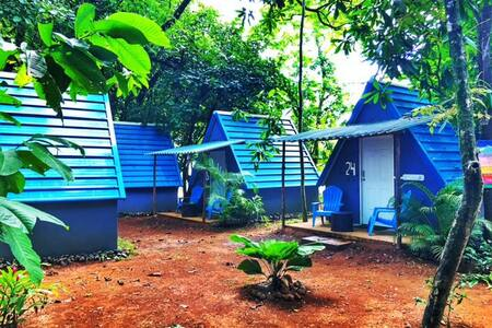 Tipi Hostel Playa Venao.  Habitacion 1 cama Doble