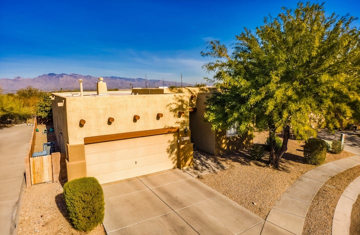 Modern Starr Pass 4br Home with 2 Car Garage!