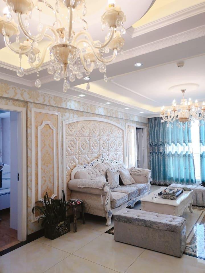 御尚芳华城市公寓欧式豪华影视房